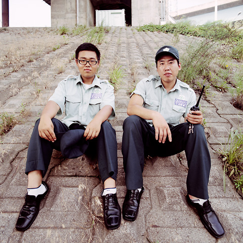 portraits_double_17_security_men_480px_72dpi